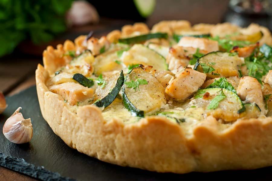 Zucchini Hähnchen Quiche | Der Kochguide