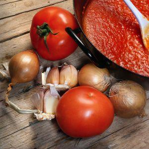 Blitzschnelle Tomatensauce mit Honig