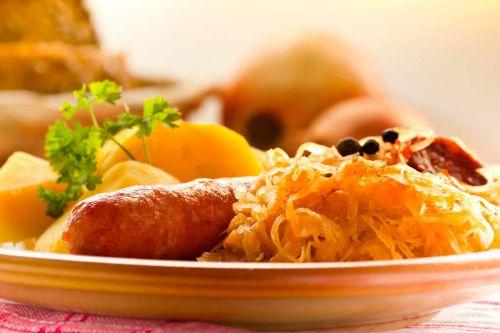 Sauerkraut-Eintopf-mit-Chorizo-und-Kartoffeln