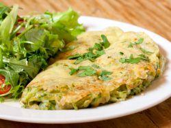 Kässpätzle-Fritata mit Salat