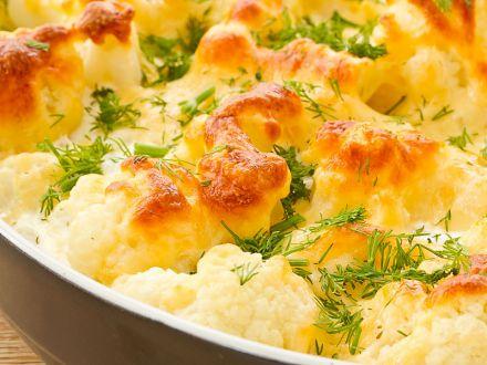 ueberbackener-blumenkohl-auf-kartoffelbett