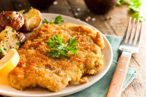 Wiener-Schnitzel-mit-Ofenkartoffeln