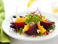 rote-beete-salat-mit-ziegenkaese-orangen-und-granatapfel