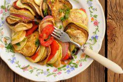 Veganes mediterranes Gemüsegratin
