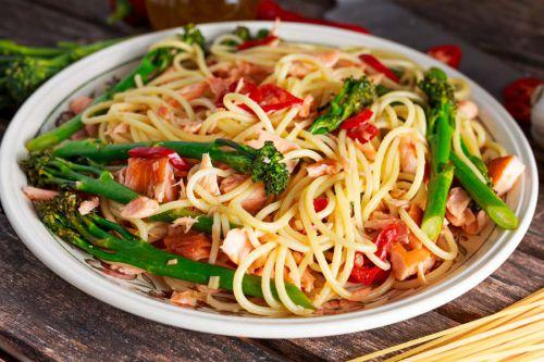spaghetti-mit-brokkoli-und-lachs