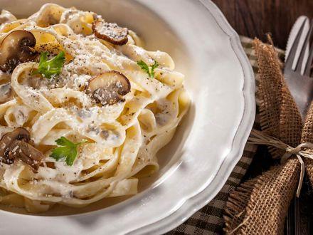 tagliatelle-mit-champignons-und-gorgonzola