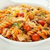 pasta-mit-tomaten-tunfisch-kapern-und-mozarella