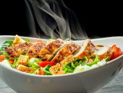 Ceasar Salat mit Hühnerbrust