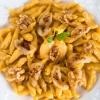 Knöpfle – die Mini Spätzle - mit Gorgonzola Birnen überbacken: eine vegetarische Köstlichkeit