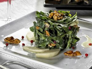 spinat-mit-walnuss-und-apfel