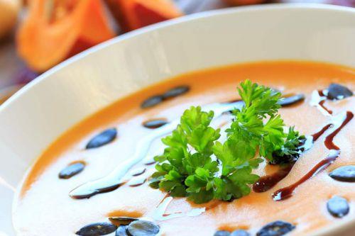 Kürbissuppe - heiß, cremig, würzig!