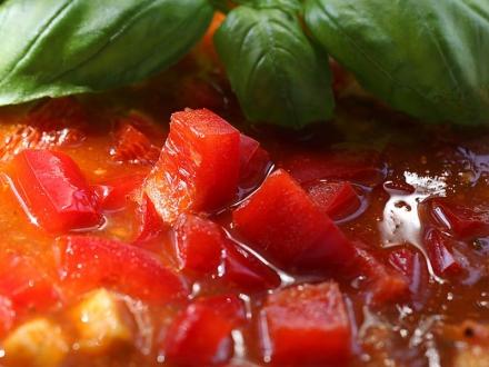 tomaten-paprika-suppe